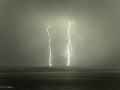54Pioruny <br><i> Lightnings</i>