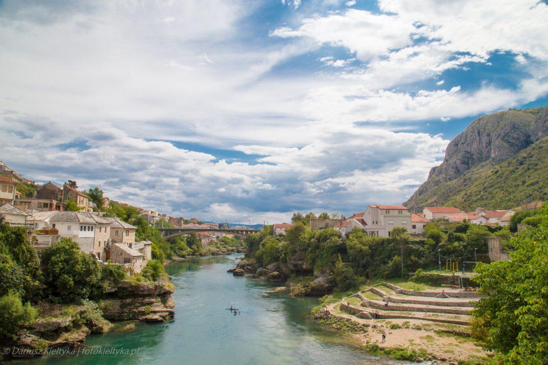 fotografia zdjęcie foto krajobraz miasto rzeka góry widok