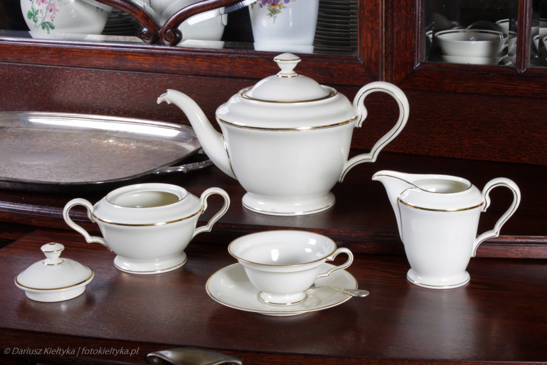 fotografia zdjęcie foto meble antyki serwis kawowy herbaciany