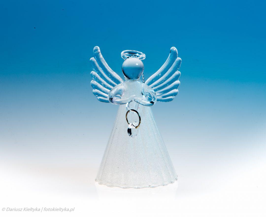 fotografia studyjna zdjęcie foto figurka szkło szklana świąteczna ozdoba choinkowa