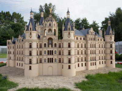 1342Miniaturowe budynki<br><i>Miniature buildings</i>