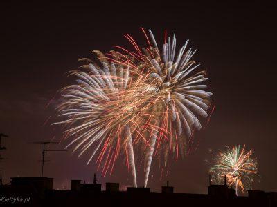 1437Sztuczne ognie<br><i>Fireworks</i>